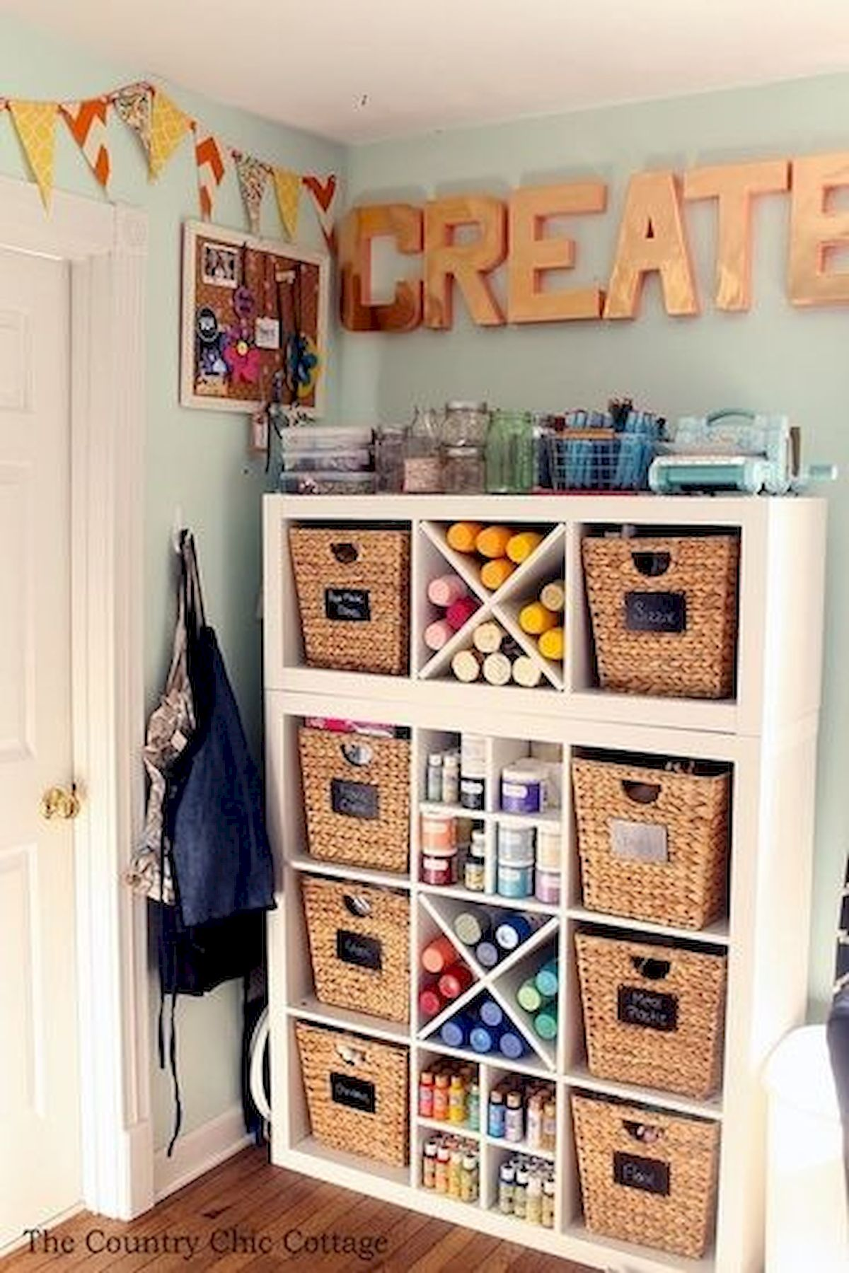 42 Amazing Craft Room Cabinets Decor Ideas and Design (27)