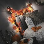 34 Gorgeous Halloween Bedroom Decor Ideas (11)