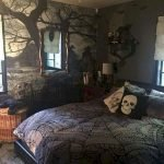 34 Gorgeous Halloween Bedroom Decor Ideas (13)
