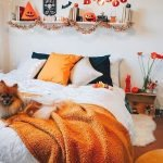 34 Gorgeous Halloween Bedroom Decor Ideas (15)