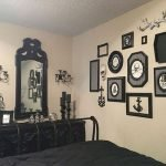 34 Gorgeous Halloween Bedroom Decor Ideas (22)