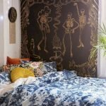 34 Gorgeous Halloween Bedroom Decor Ideas (25)