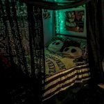 34 Gorgeous Halloween Bedroom Decor Ideas (32)
