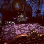 34 Gorgeous Halloween Bedroom Decor Ideas (6)