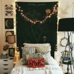 34 Gorgeous Halloween Bedroom Decor Ideas (9)