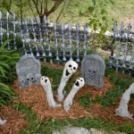 45 Stunning Halloween Decoration Outdoor Ideas (21)