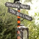 45 Stunning Halloween Decoration Outdoor Ideas (28)