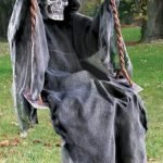 45 Stunning Halloween Decoration Outdoor Ideas (34)