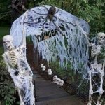 45 Stunning Halloween Decoration Outdoor Ideas (35)