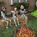45 Stunning Halloween Decoration Outdoor Ideas (38)