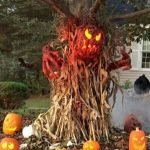 45 Stunning Halloween Decoration Outdoor Ideas (44)